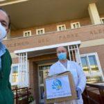 Entrega de batas sanitarias y pantallas protectoras a hospitales y residencias